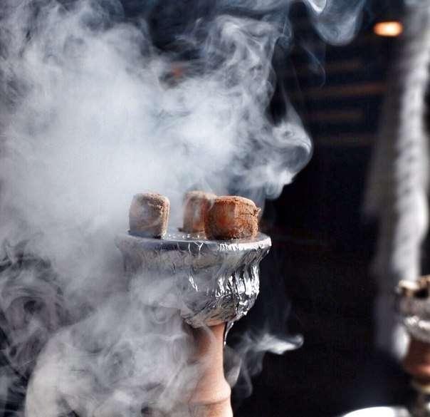 Густой дым кальяна